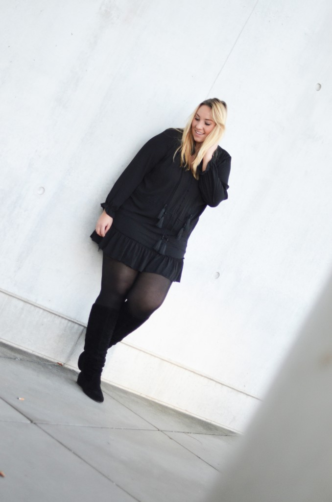 StudioUntold_Kleid_Plussize_Blogger_PlussizeBlogger_München_Fashionblogger München_ (9 von 13)
