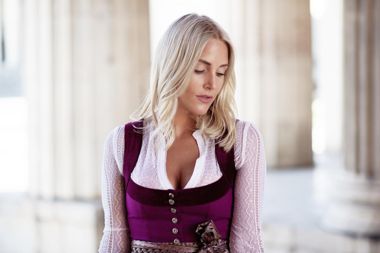 CocoVero-Dirndl-Munich-Fashionblogger-Sequinsopha-3-DSC_0283