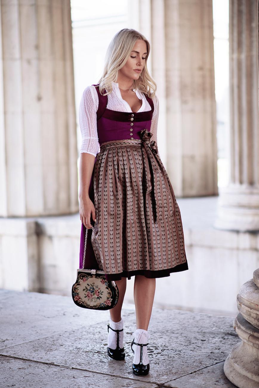 CocoVero-Dirndl-Munich-Fashionblogger-Sequinsophia-2-DSC_0225