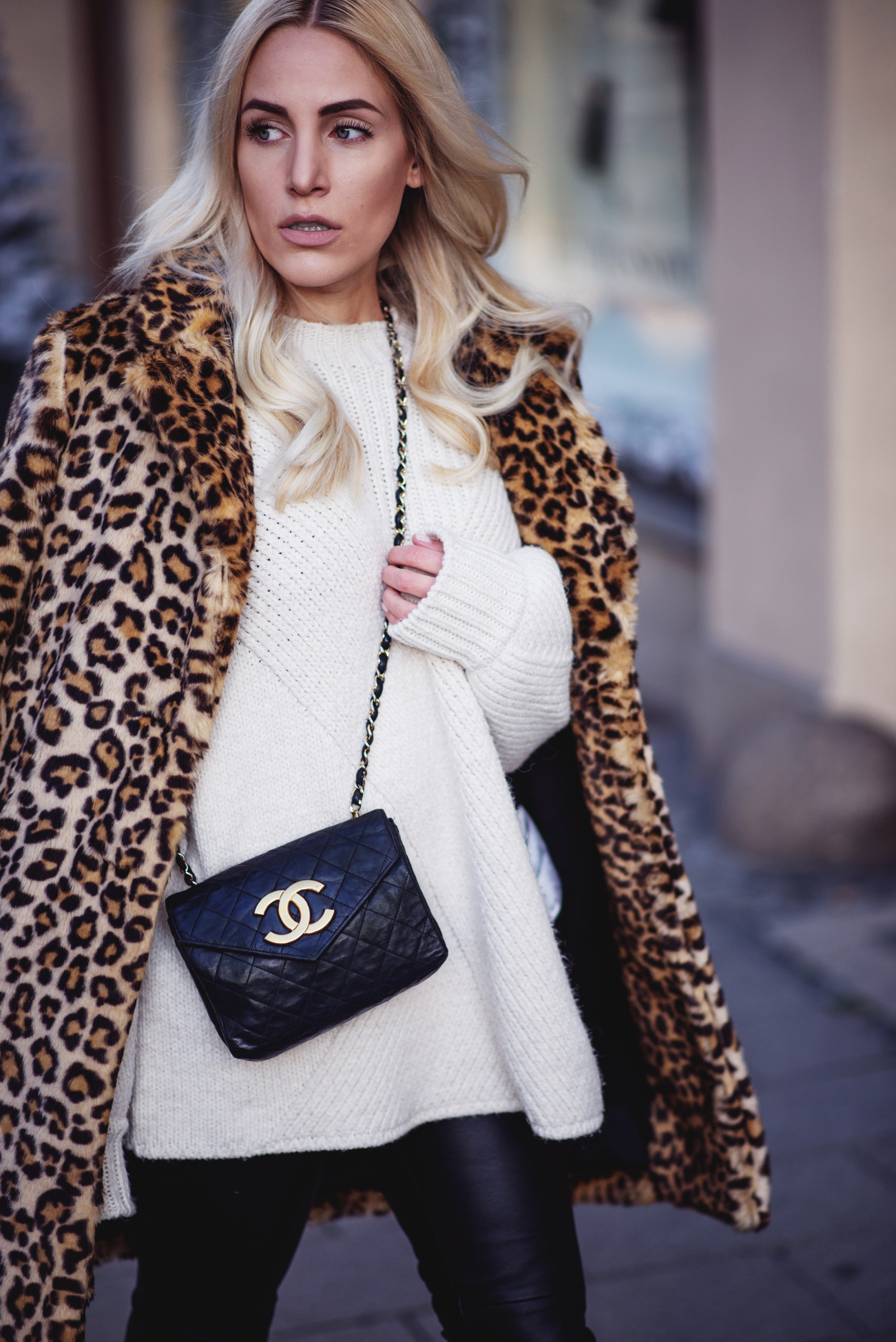 fashion-fashionblogger-blogger-chanel-winter-cozy-knitwear-leo-sequinsophia-5-dsc_6217
