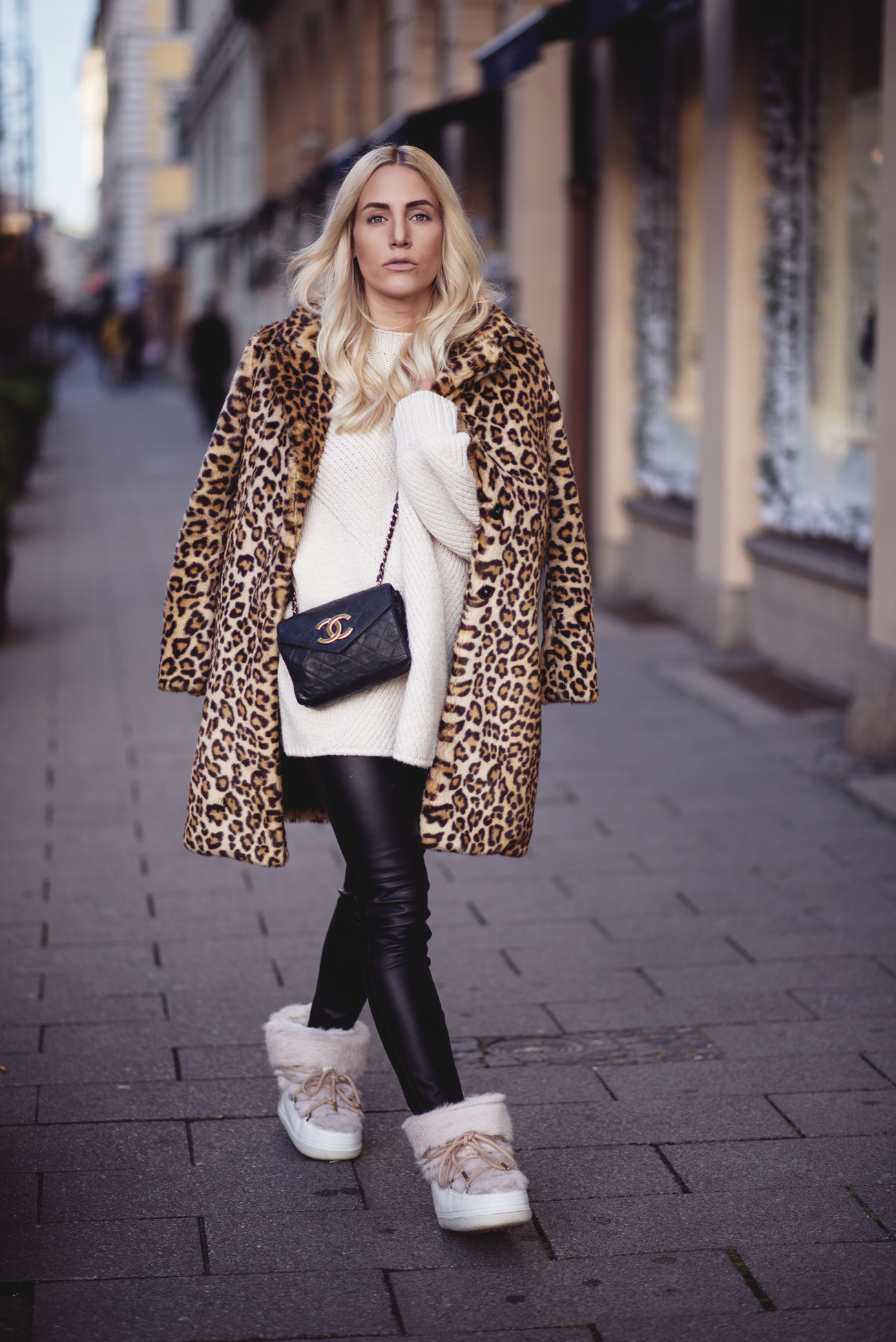fashion-fashionblogger-blogger-chanel-winter-cozy-knitwear-leo-sequinsophia2-dsc_6162