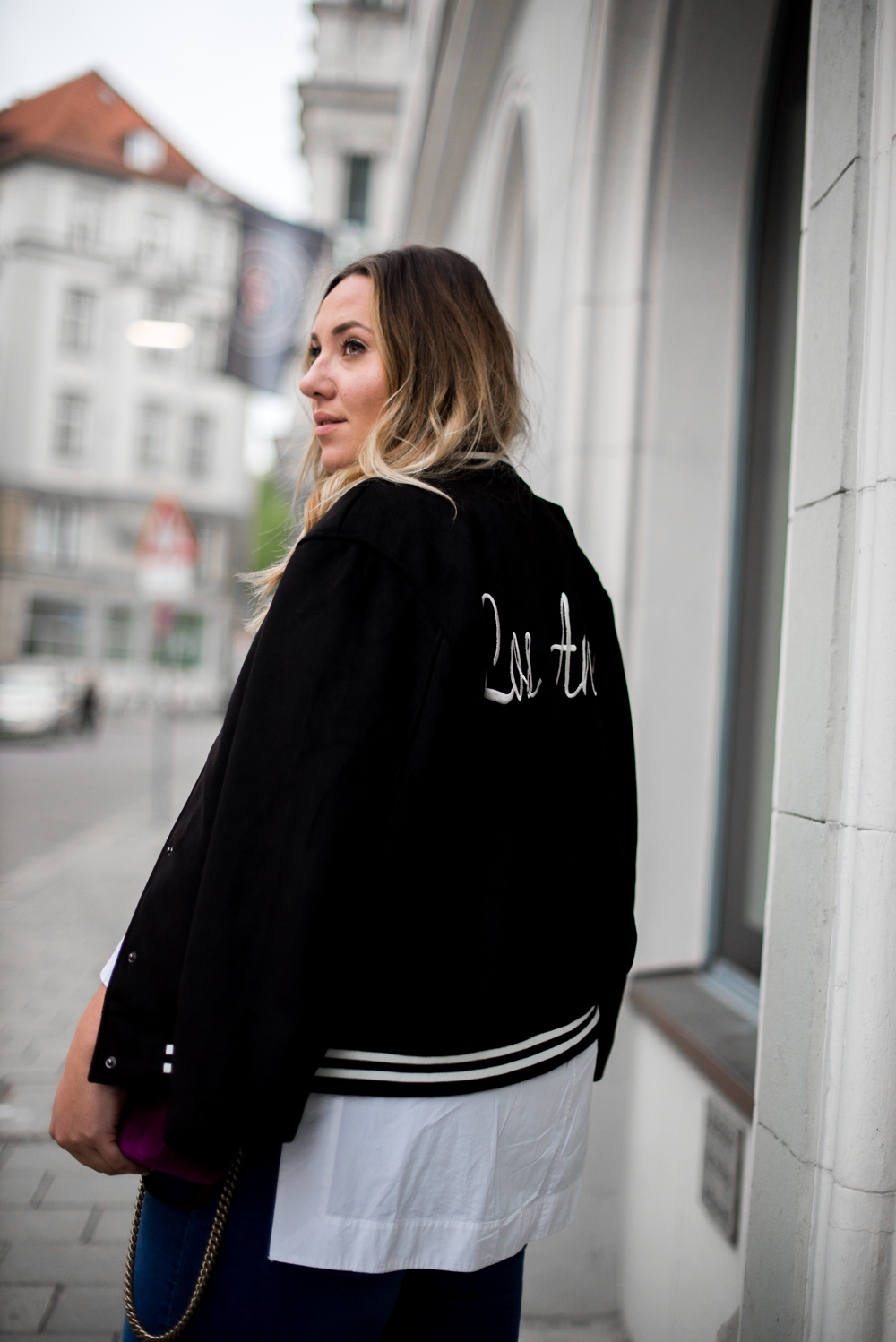 Gucci_The Skinny and the Curvy One_Ms wunderbar_Plus Size Blogger_curve blog_Fashionblog Deutschland_Plus Size Fashion Deutschland_College Jacke_Fringe Jeans (3 von 15)