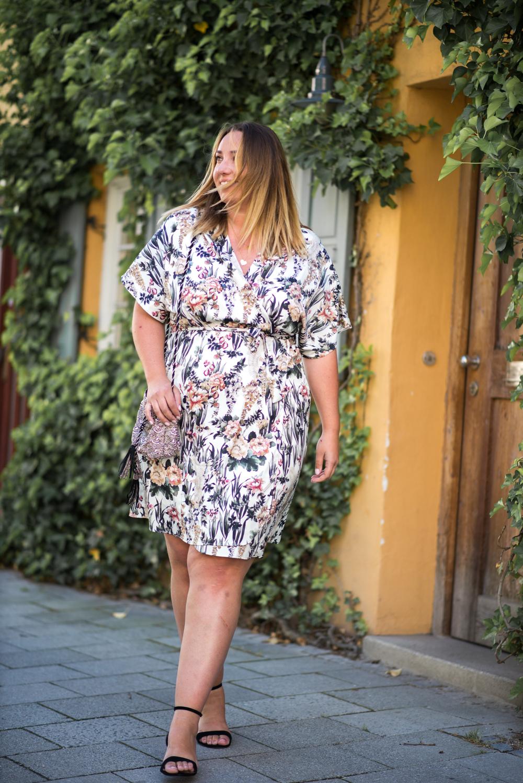 Kimono Kleid_Mango Violeta_Plus Size_Plus Size Blogger_Curves Deutschland_Fashionblog Deutschland (8 von 18)
